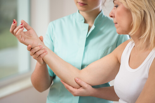 Tennis Elbow Symptoms and Treatment
